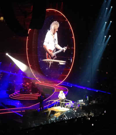 Dr. Biran May noodles on his Red Special at the Garden, July 22, 2014