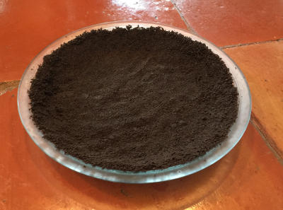 pie plate with chocolate crumb crust