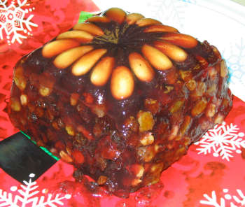 Jell-O mold that resembles a fruitcake