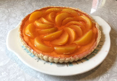 tart with peaches and peach flavored gelatin